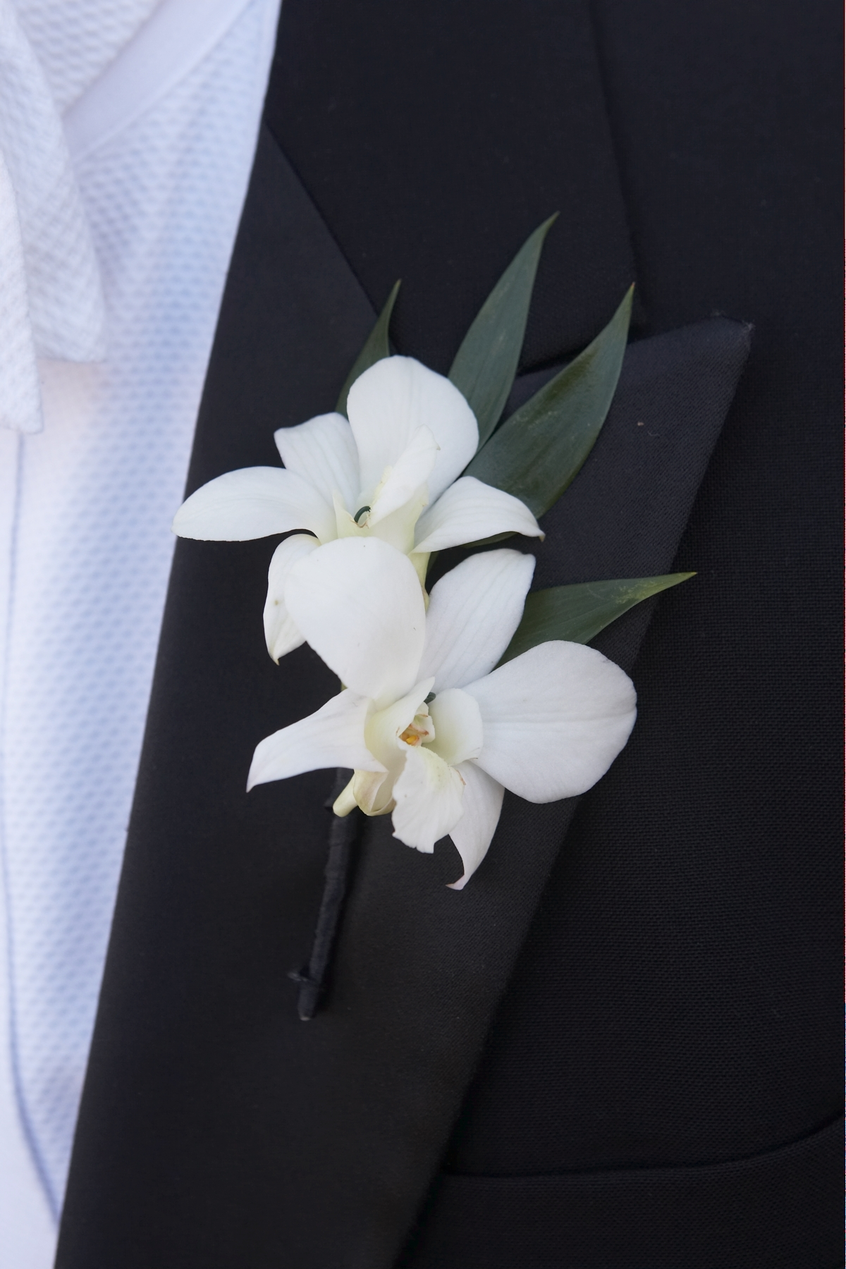 Let's Hear It For the Boys! Boutonnières on Flower Friday ...