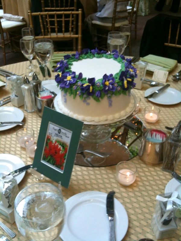 wedding-cake-centerpieces