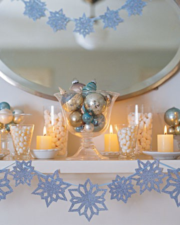 Blue and white decor Winter Wedding Decor From Rustic to Bling