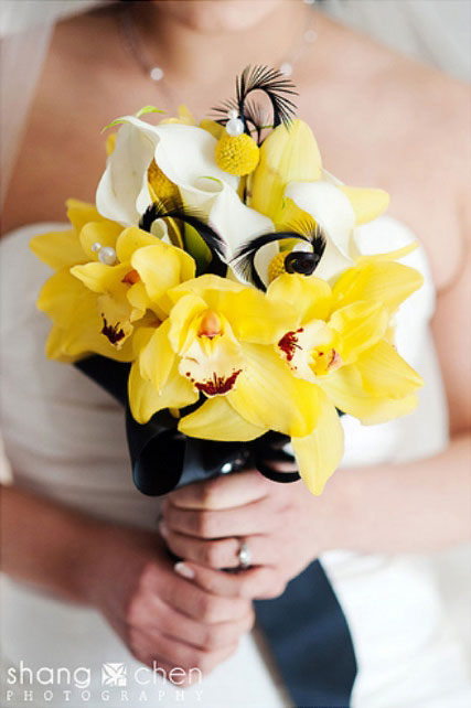 Yellow wedding bouquet Sunshine in Your Hands: Sunny Yellow Wedding Bouquets