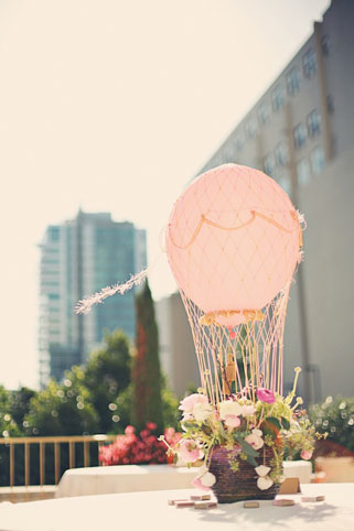 hot air balloons centerpiece 5 Fun Ways to Use Balloons at Your Wedding
